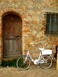Italian countryside #Italy #bicycle #vacation