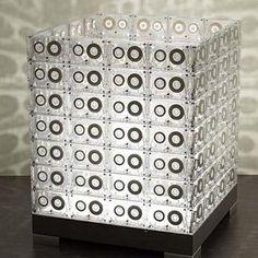 Reciclagem artesanal de fitas cassete - Plásticos - Arte Reciclada