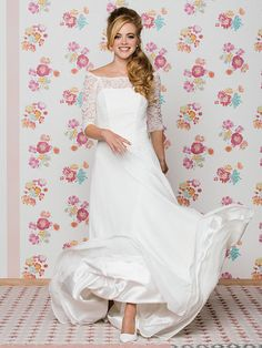 With the lace sleeve wedding dress you have a perfect bridal outfit. Look at …, # sleeves … - Standesamt Lace Wedding Dress With Sleeves, Lace Sleeves, Dress Lace, Lace Outfit, Bridal Outfits, Bridal Dresses, Yes To The Dress, Couture, Marie