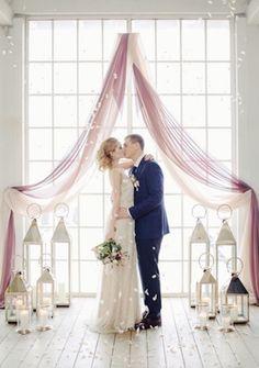 Счастливые молодожены  #молодожены #счастье #свадьба #декор #образ #свечи #букет