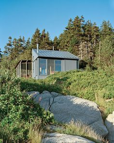 It took Bruce Porter 40 years to build this house on Criehvaen island in Maine. He first visited the speck