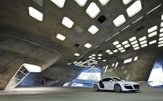 2010 Audi R8 V10 4 Pictures and Wallpapers ~ Auto Cars