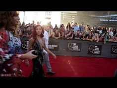 2013 MTV VMAs Red Carpet - Behind The Scenes - FADER TV