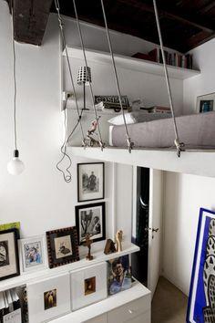 Eingebautes hängendes Hochbett