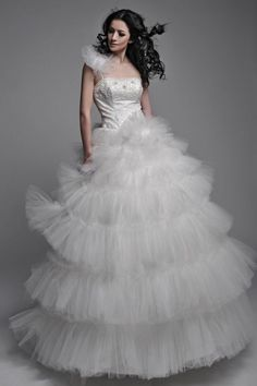 Layered Tulle Wedding Dress With Apllique Beading Detailed Top - Fashion and Love