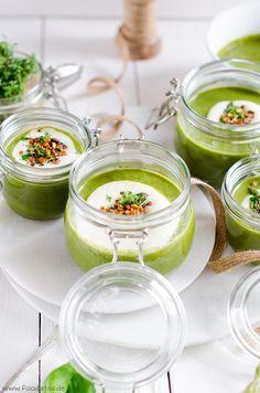 Grünes Spargelsüppchen mit einem knusprigen Linsentopping, Kochen mit Linsen, Rezepte mit Linsen, Spargelrezepte, sommerliche Rezepte
