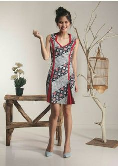 Model Dress Batik, Batik Dress, Patchwork Dress, Casual Work Dresses, Simple Outfits, Dress Brukat, Model Kebaya, Batik Kebaya, Blouse Batik