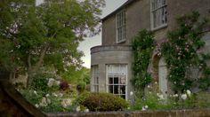 Downton Obsession via ex-libris-blog | S6 E8 | Isobel's house