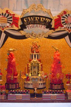 Glitterati Style FIle: Circus Lights | WedLuxe Magazine
