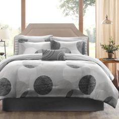 Madison Park Glendale Complete Bedding Set with Sheets. Soothing shades of gray give the Glendale bedding set a clean, modern look that adds a touch of urban elegance to your bedroom. Full Comforter Sets, King Comforter, Gray Comforter, Queen Bedding, Striped Bedding, White Bedding, Cotton Bedding, Bedding Sets Online, Bed In A Bag
