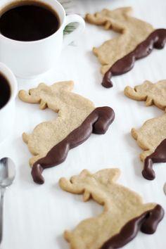 Chocolate-Dipped Gingerbread Reindeer Cookies | #christmas #xmas #holiday #food #desserts