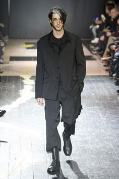 Yohji Yamamoto Fall Winter 2015 Otoño Invierno #Menswear #Trends #Tendencias #Moda Hombre