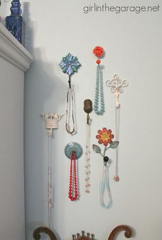 Decorative Wall Hooks As Jewelry Storage. Use decorative wall hooks to organize your necklace. Todally simple but stylish way to add storage! - November 02 2019 at Diy Storage For Small Spaces, Bedroom Storage For Small Rooms, Diy Jewelry Holder, Diy Jewelry Making, Jewelry Box, Silver Jewelry, Trendy Jewelry, Silver Earrings, Beaded Jewelry