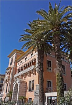 Cascais - lovely palaces and villas of the whealty society from Lisbon. #Portugal