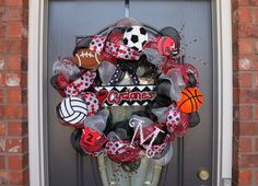 Mesh sports wreath by Lane McKinley Sports Theme Birthday, Sports Wreaths, Sport Craft, School Spirit, Creative Ideas, Cheer, Mesh, Craft Ideas, Sayings