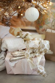 Love the idea of leaving the prettiest presents unwrapped!
