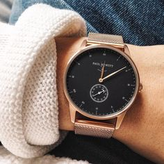 Watches from PAUL HEWITT are beautiful, elegant and versatile. Watches can be individually created using the configuration tool. Unique watches for. Trendy Watches, Cool Watches, Casual Mode, Rose Gold Watches, Mode Inspiration, Dandy, Luxury Watches, Fashion Watches, Women's Accessories