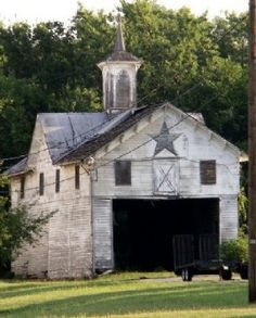 Old barns have such character. I would love to own this one and invite all my friends to an old fashion barn dance!!