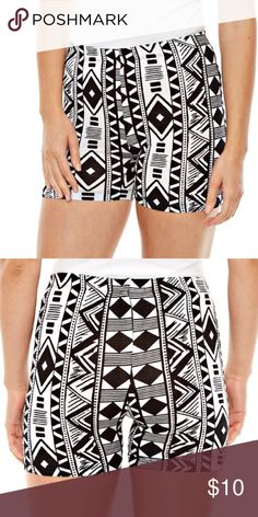 🆕 Tribal Print Shorts PRODUCT DETAILS Cotton/Polyester/Spandex Machine washable love candy Shorts