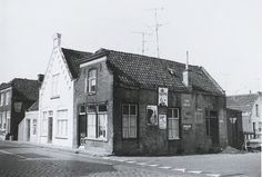 Langenoordstraat 160. Bewoond door oud-papier- en lompenhandelaar Janus Kremers