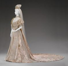 Wedding dress, by Girolamo Giuseffi, American, 1906.