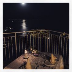 For a #romantic dinner in #Ravello #amalficoast