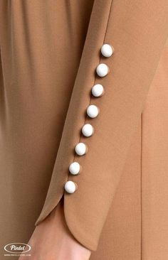 Bat sleeve genuine wool dress tucked by stretchy ribbon belt., Bat sleeve genuine wool dress tucked by stretchy ribbon belt. Bat sleeve genuine wool dress tucked by stretchy ribbon belt. Salwar Designs, Kurti Neck Designs, Sleeve Designs, Blouse Designs, Kurti Sleeves Design, Sleeves Designs For Dresses, Mode Abaya, Mode Hijab, Abaya Fashion
