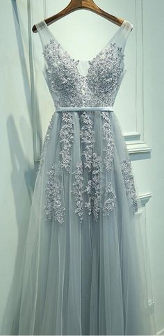 lace prom dress, prom dress, 2017 prom, long prom dress, grey prom dress, grey long prom dress, sleeveless, sleeveless prom dress, a line prom dress, v neck prom dress, tulle prom dress, fancy prom dress, elegant prom dress