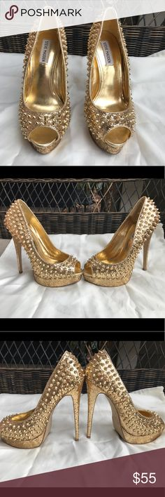 Steve Madden Gold Spiked Glitter Heels Steve Madden 6 inch Gold Glitter Spiked Peep Toe Heels! Size 9.5 Worn twice! Steve Madden Shoes Heels