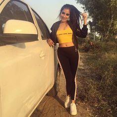 Hiba Nawab, Punjabi Models, Punjabi Actress, Straight Ponytail, Disha Patani, Indian Teen, Famous Models, Thats The Way, Skin Makeup