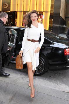 Miranda Kerr Outfits, Miranda Kerr Style, Star Fashion, Womens Fashion, Fashion Fashion, Fashion News, Fashion Shoes, Fashion Outfits, Little White Dresses