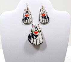 Cat Brooch and Matching Earrings by KatsCache on Etsy
