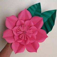 1 million+ Stunning Free Images to Use Anywhere Paper Flowers Craft, Large Paper Flowers, Crepe Paper Flowers, Paper Flower Backdrop, Giant Paper Flowers, Flower Crafts, Diy Flowers, Flower Petal Template, Paper Flower Tutorial