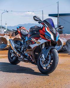 Bike Bmw, Beast, Bmw S1000rr, Automotive News, Super Bikes, Cars And Motorcycles, Biker, Automobile, Vehicles