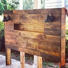 Homemade Headboards – 10 Ideas That Will Inspire You Small Woodworking Projects, Diy Wood Projects, Homemade Bedroom, Bedroom Ideas Pinterest, Palette Diy, Diy Bed Frame, Diy Pallet Furniture, Furniture Ideas, Headboards For Beds