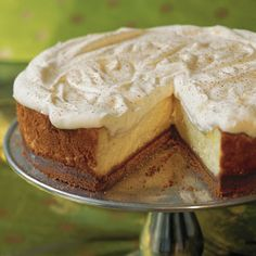 Eggnog Cheesecake with Gingersnap Crust - To-Die-For Cheesecake Recipes - Southernliving. It only takes 15 minutes to put together this seasonal cheesecake with an easy three-ingredient gingersnap crust. Recipe: Eggnog Cheesecake with Gingersnap Crust Creamy Cheesecake Recipe, Eggnog Cheesecake, Cheesecake Recipes, Eggnog Cake, Chocolate Cheesecake, Köstliche Desserts, Delicious Desserts, Dessert Recipes, Sweet Desserts