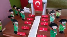 18 Mart Çanakkale Zaferi Art Activities, Art Education, Four Square, Martini, Art For Kids, Diy And Crafts, 18th, Classroom, Candles