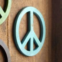 ...I love peace signs, too.
