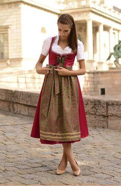 #Farbbberatung #Stilberatung #Farbenreich mit www.farben-reich.com Pink Fox: Dirndl