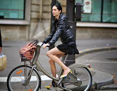 Janice Seinen Alida on bike #models #offduty in Paris. | Shared from http://hikebike.net