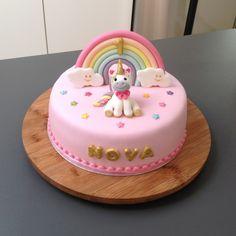 Eenhoorn taart Baby Girl Birthday Cake, Pretty Birthday Cakes, 1st Birthday Cakes, Unicorn Cake Design, Diy Unicorn Cake, Finding Nemo Cake, Mini Mouse Cake, Easy Chocolate Fudge, My Little Pony Cake