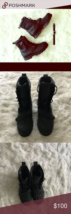 POLO RALPH LAUREN ALL BLACK POLO RALPH LAUREN BOOT WITH SMALL OUTER FUNCTIONAL POCKET. Polo by Ralph Lauren Shoes Boots
