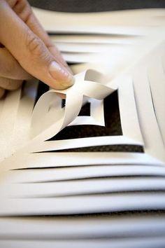 Paperinen latvatähti kruunaa joulukuusen – Aamulehti Blogit Diy And Crafts, Cards, Maps, Playing Cards