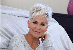 Pixie Haircut For Thick Hair, Short Choppy Hair, Funky Short Hair, Short Hair Older Women, Super Short Hair, Short Grey Hair, Haircut For Older Women, Thick Hair Haircuts, Short Hair Cuts For Women Over 50