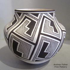 http://www.andreafisherpottery.com/pictures-full/xxacl5132m1.jpg