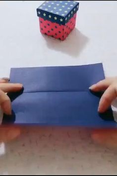 Origami 29819 how to DIY a Xmas gift box Diy Crafts Hacks, Diy Crafts For Gifts, Diy Home Crafts, Diy Arts And Crafts, Craft Stick Crafts, Creative Crafts, Kids Crafts, Diy Projects, Craft Sticks
