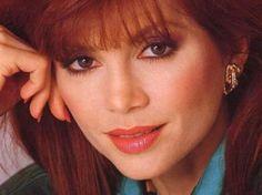 Victoria Principal original cast member of Dallas (played Bobby Ewing's wife)