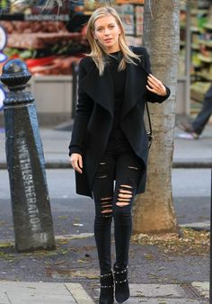 Rachel riley – arriving at bbc radio two studios for chris evans breakfast show in london, uk Chris Evans Tumblr, Chris Evans Funny, Rachel Riley Countdown, Racheal Riley, Chris Evans Gifted, Chris Evans Captain America, Tv Presenters, Bbc Radio, Latest Outfits