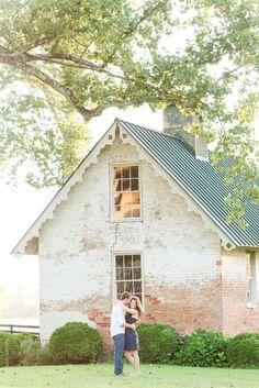 Historic Newmarket Plantation Engagement Photos. Summer Engagement Photos. Engagement Outfit Inspiration
