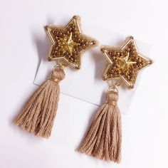 Beaded Embroidery, Tassel Necklace, Tassels, Diy And Crafts, Jewelry Making, Brooch, Drop Earrings, Beads, How To Make